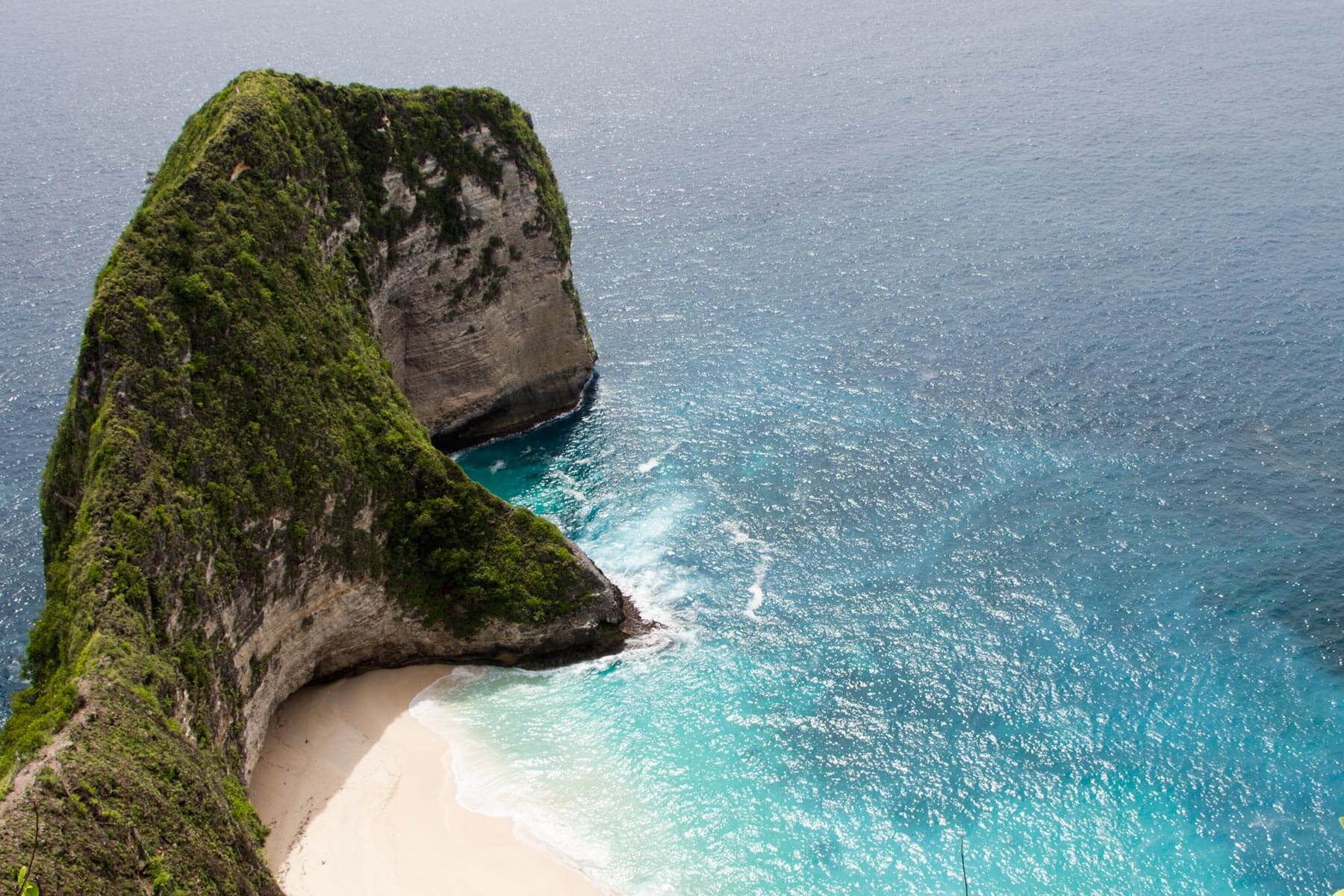 YVONNE RUNDIO BIRU BIRU Bali Nusa Penida Meerblick