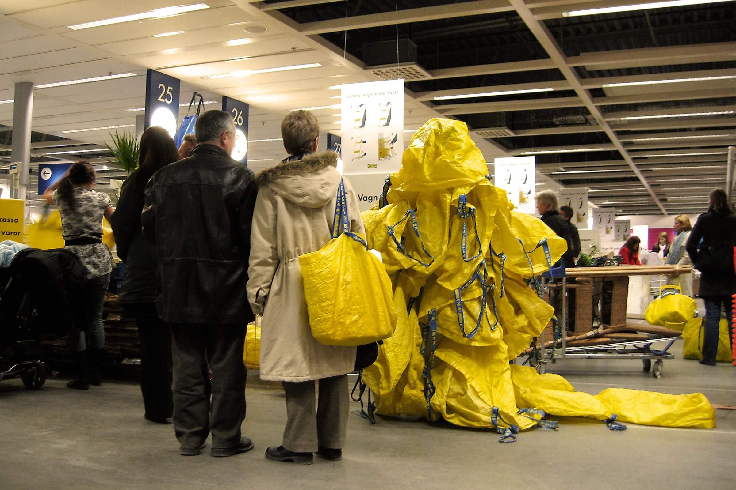 YVONNE RUNDIO Urban Camouflage